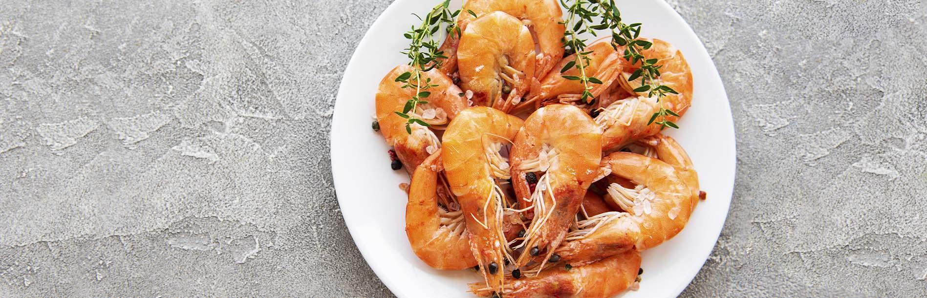 Não resiste a um camarão? Este e outros alimentos que geram dúvidas de consumo na gravidez